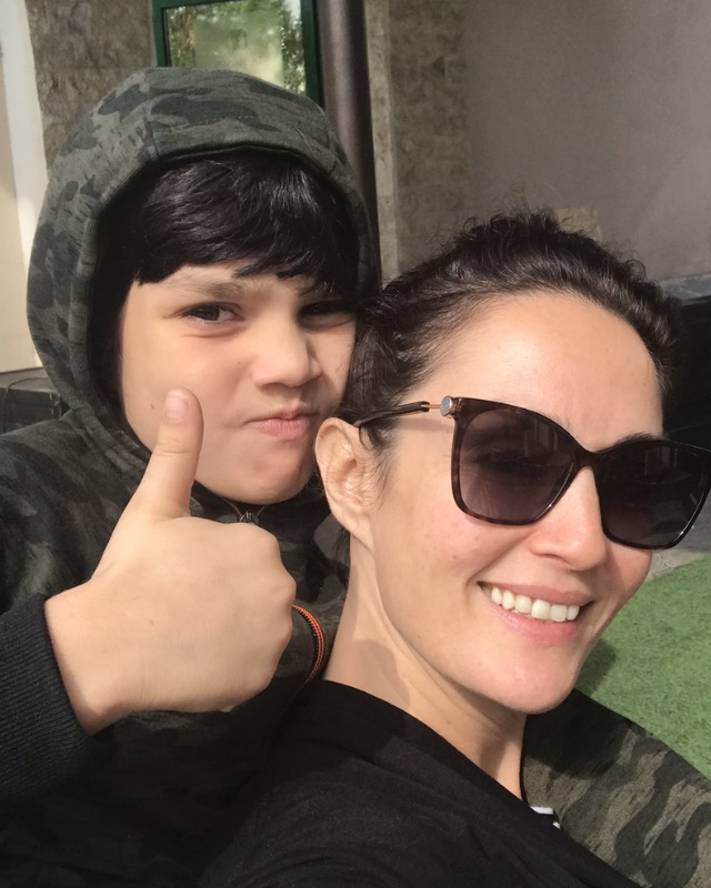 Unseen Pictures of Sonya Jehan With Her Family