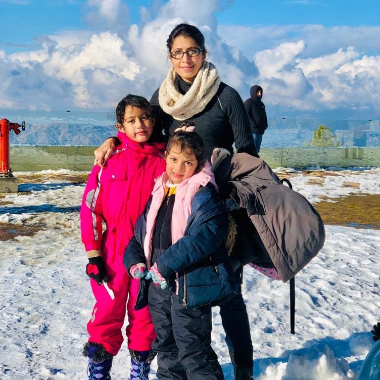 Vaneeza Ahmad And Her Daughters Spotted Praying Together
