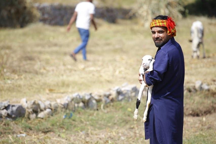 Fun Photos of Yasir Hussain That Are Hilarious