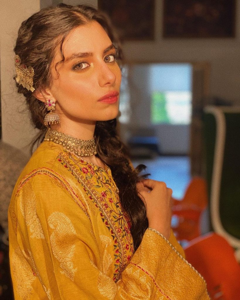 Beautiful Unseen Pictures Of Fashion Model Zara Peerzada