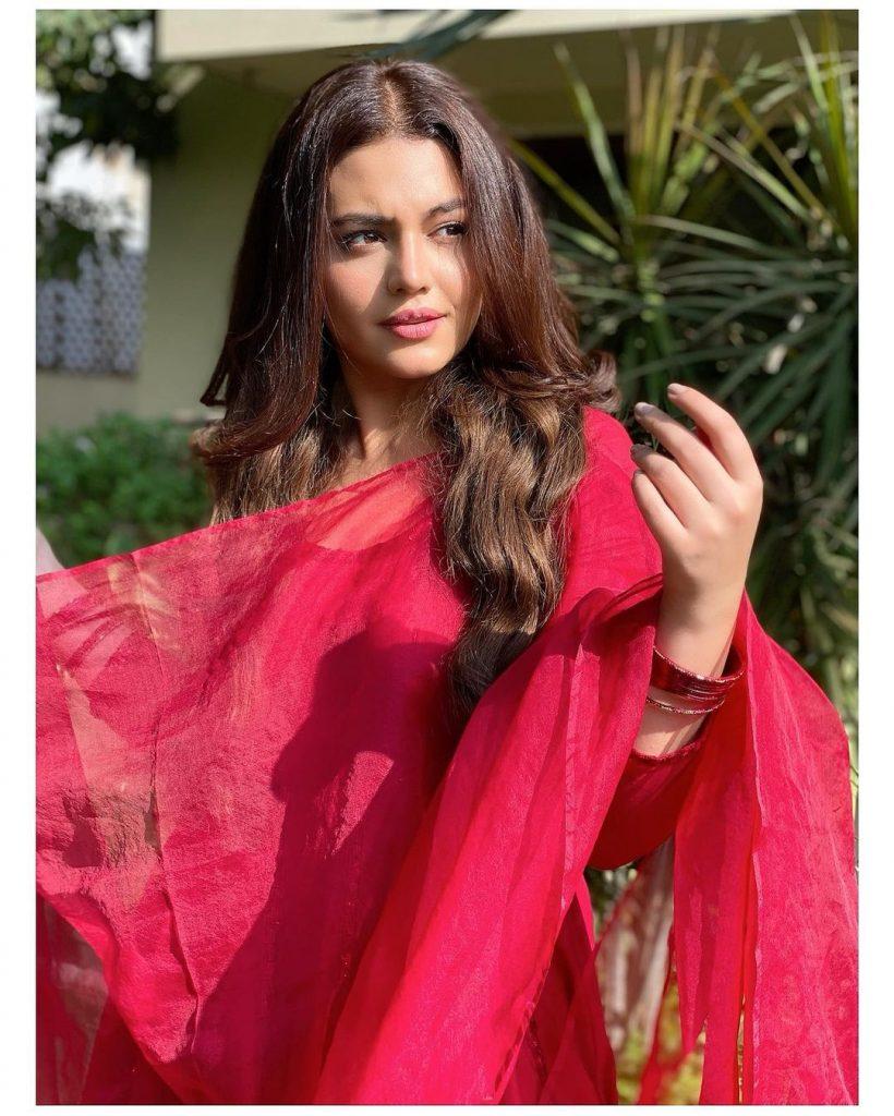 Zara Noor Abbas Talks About Working In Bollywood
