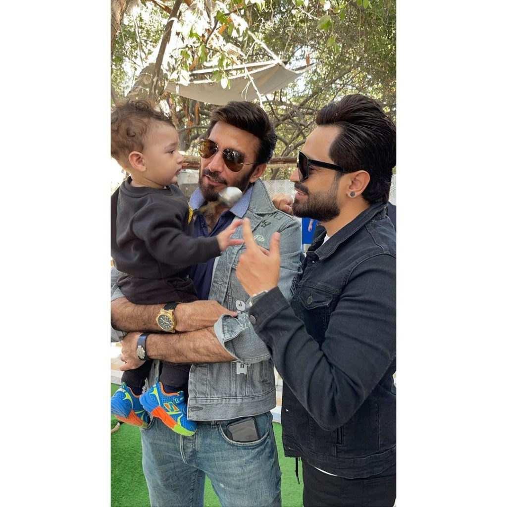 Latest Pictures Of Faysal Qureshi With His Family