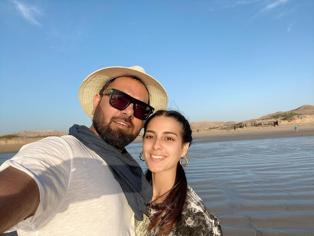 Beautiful Couple Iqra Aziz and Yasir Hussain - Latest Pictures