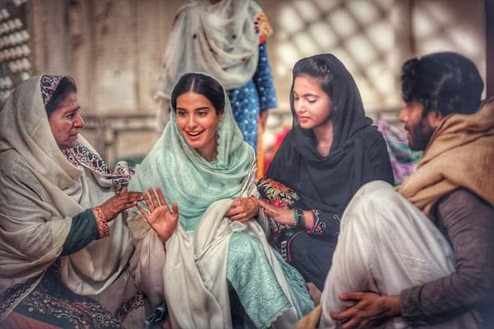 Iqra Aziz Termed Wajahat Hussain As 'Sanjay Leela Bhansali' Of Pakistan