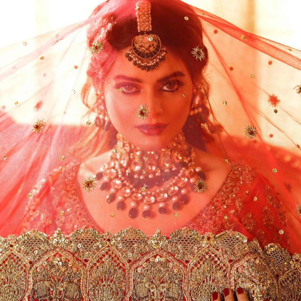 Minal Khan Looks Drop Dead Gorgeous In Her Latest Bridal Shoot
