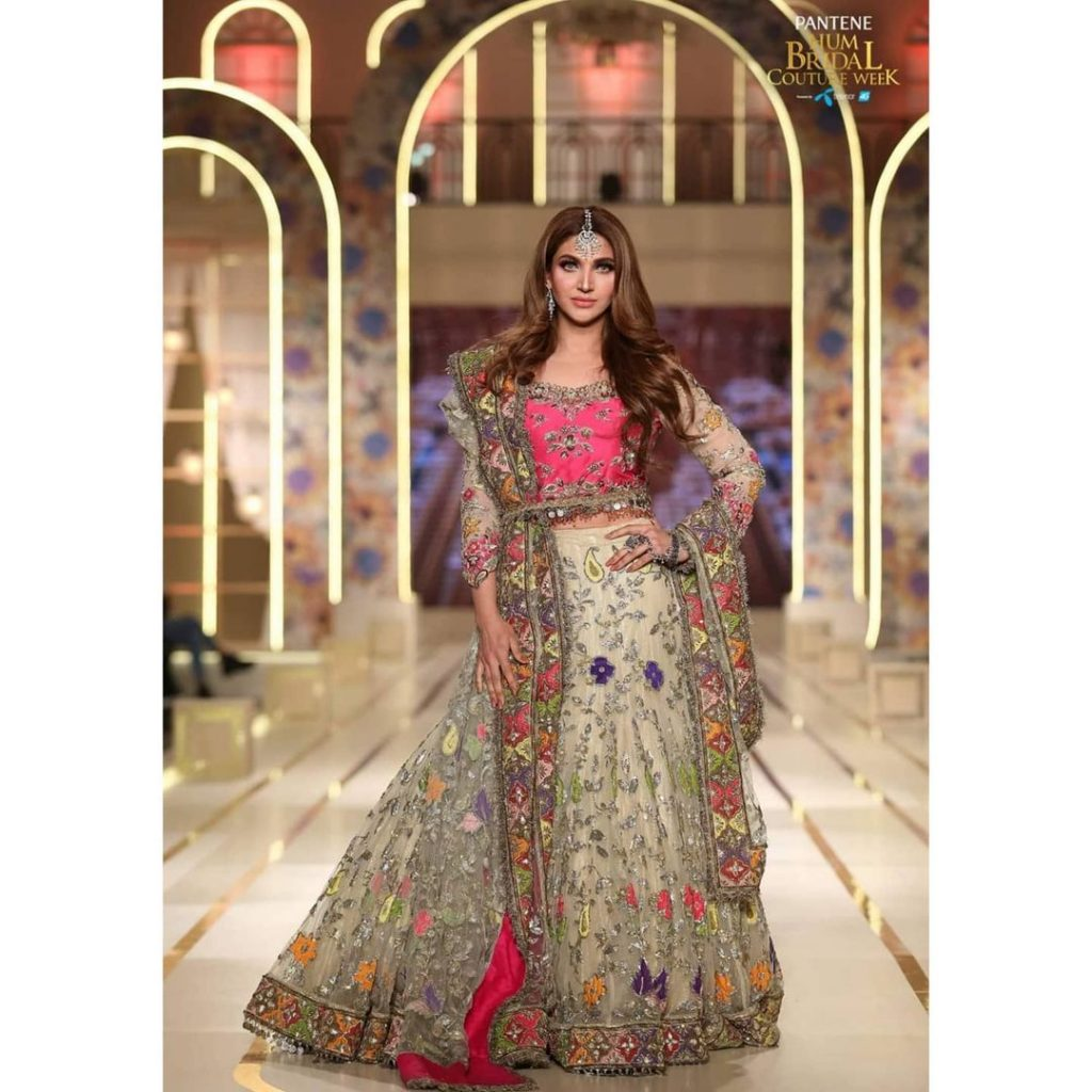 Sana Fakhar Walked For Kashee's At BCW Day 2