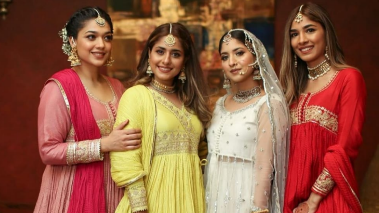 Sanam Jung Pictures with her Sisters