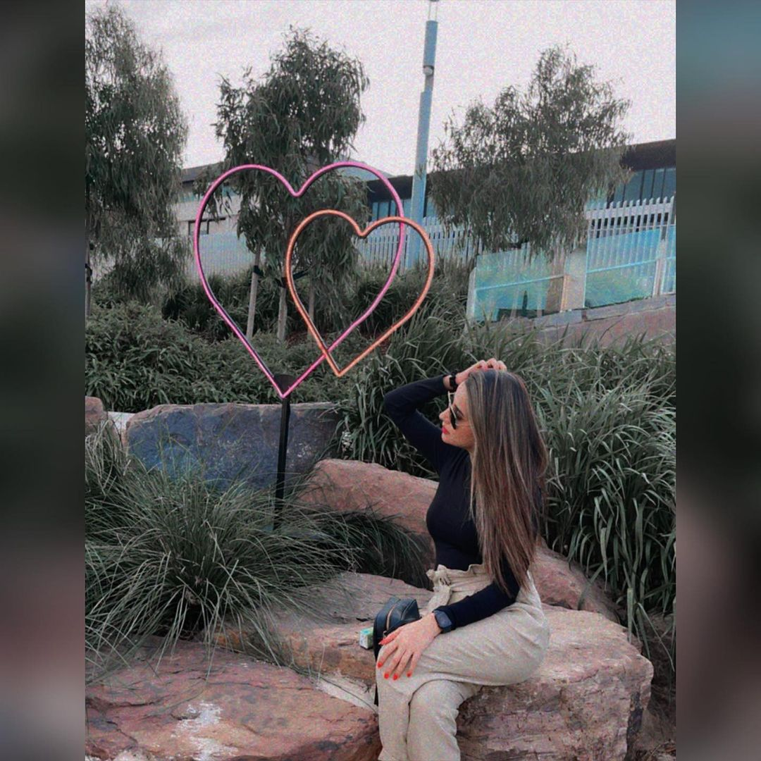 Dashing Clicks of Beautiful Actress Saniya Shamshad
