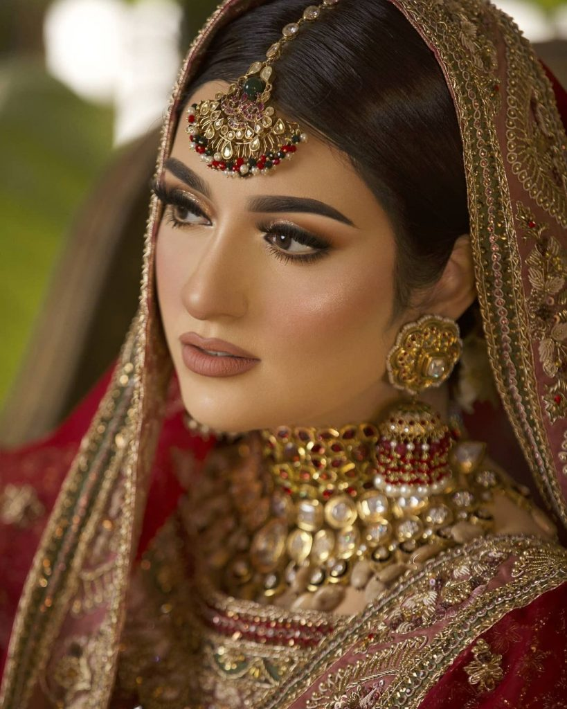 Sarah Khan Looks Regal In The Traditional Bridal Attire