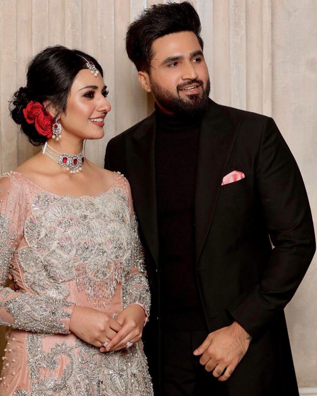 New Adorable Pictures of Sarah Khan and Falak Shabir