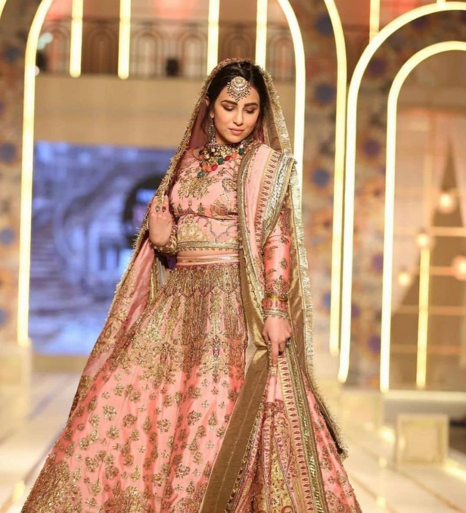 Ushna Shah Walked As The Show Stopper For Fahad Hussayn At BCW
