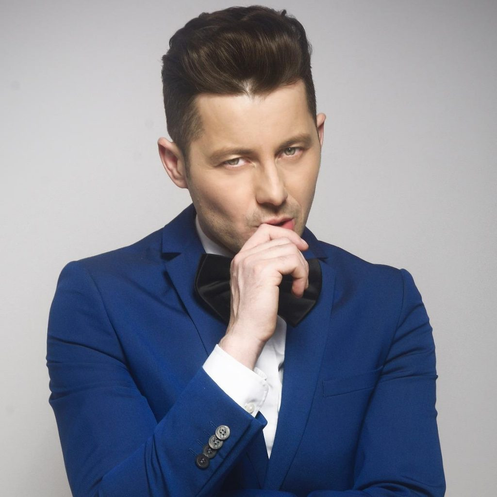 The Audience Want PSL 6 Anthem To Be Sung By Akcent