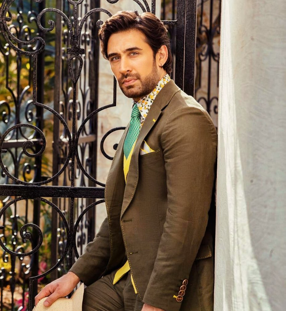 Ali Rehman Khan Looks Dapper In His Latest Pictures