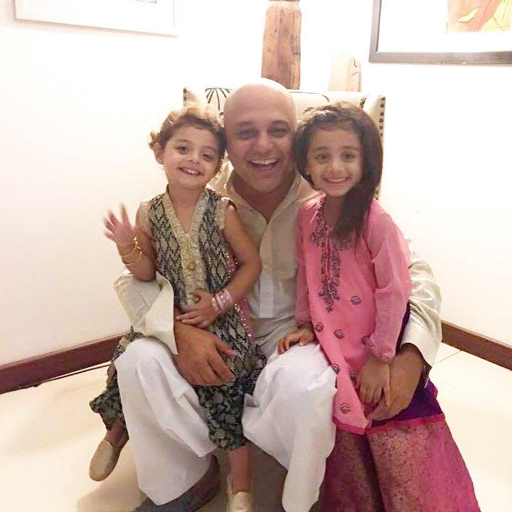 Awesome Family Photos of Ali Azmat
