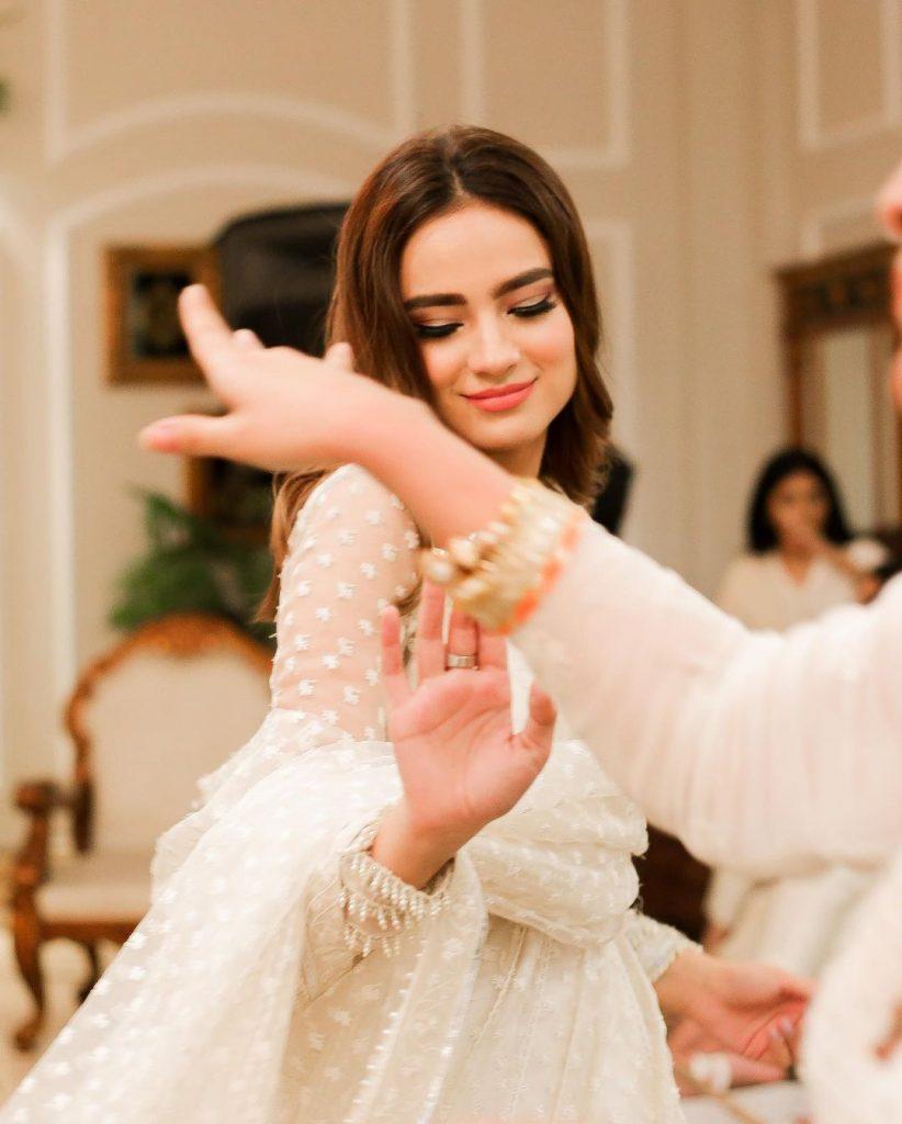 Alyzeh Gabol Looks Mesmerizing At A Recent Wedding Event