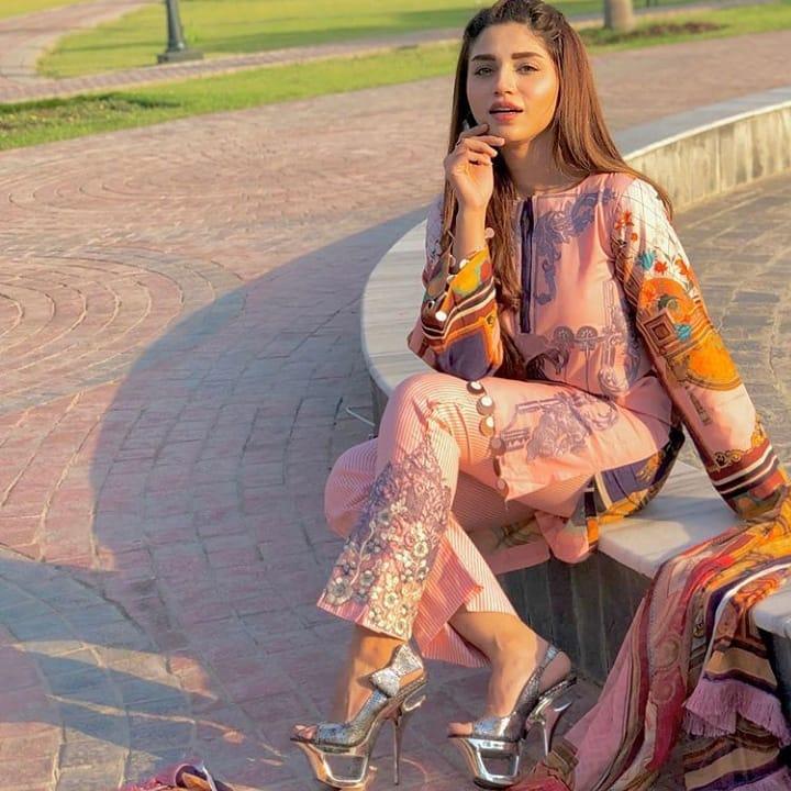 Ayaz Samoo Reveals Amna Malick's Biggest Obsession On The Set Of Nand
