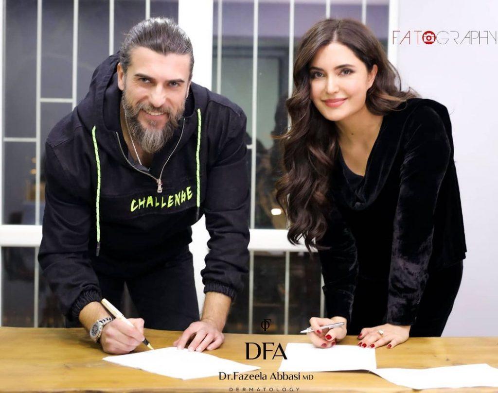 Dr Fazeela Abbasi Signs A Contract With Turkish Star Cengiz Coskun