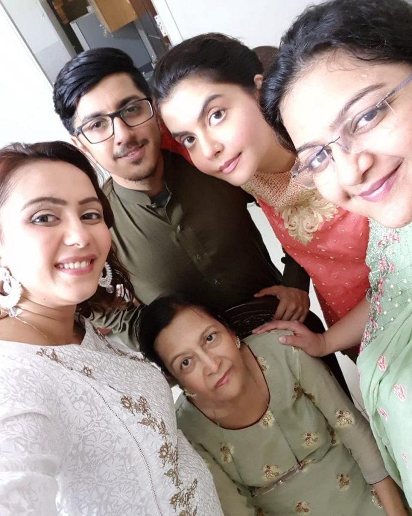 Nida Yasir's Mother Passed Away