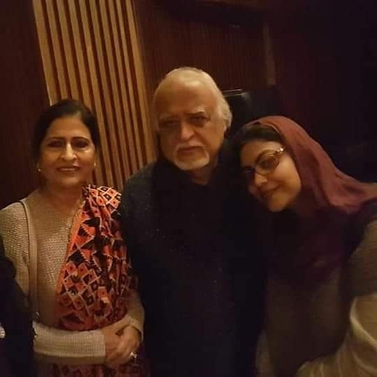 Rare Pictures of Anwar Maqsood With Family