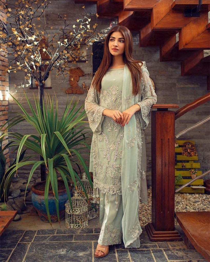 Astonishing Pictures of Kinza Hashmi in Pastel Colors