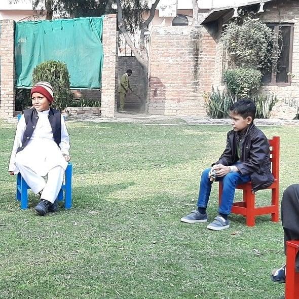 Maya Ali visited Shaukat Khanum Hospital On International Childhood Cancer Day