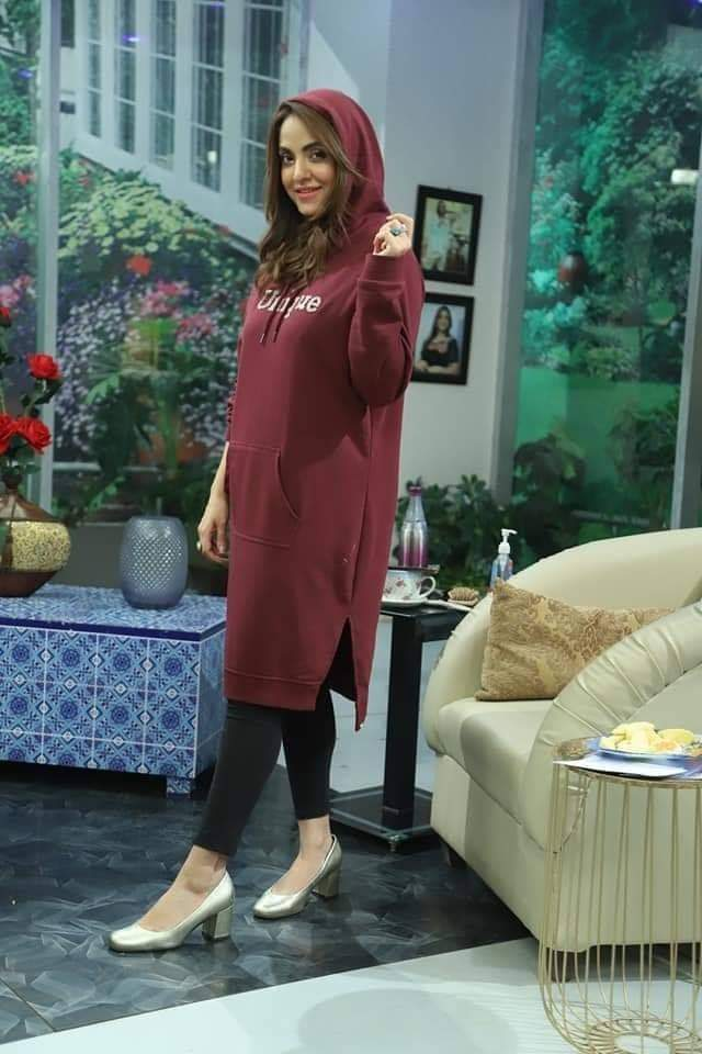 Nadia Khan Different Looks From Her Show