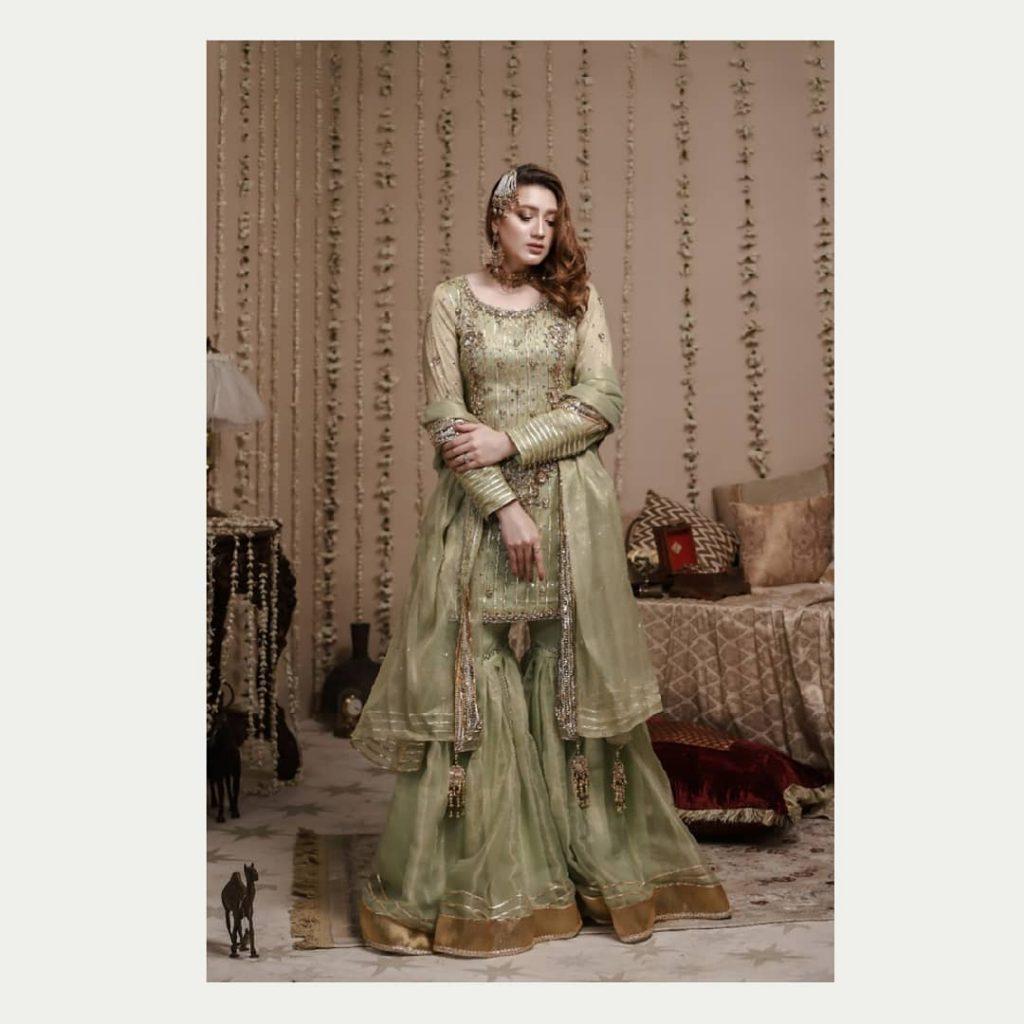 Sizzling Photoshoot Of Ehd-e-wafa Famed Momina Iqbal