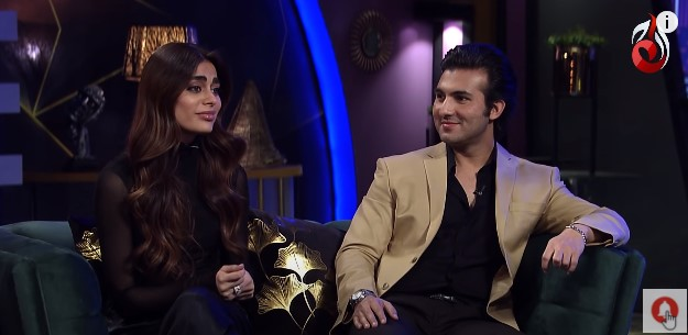 Sadaf Kanwal Showed Some Singing Skills In The Recent Show