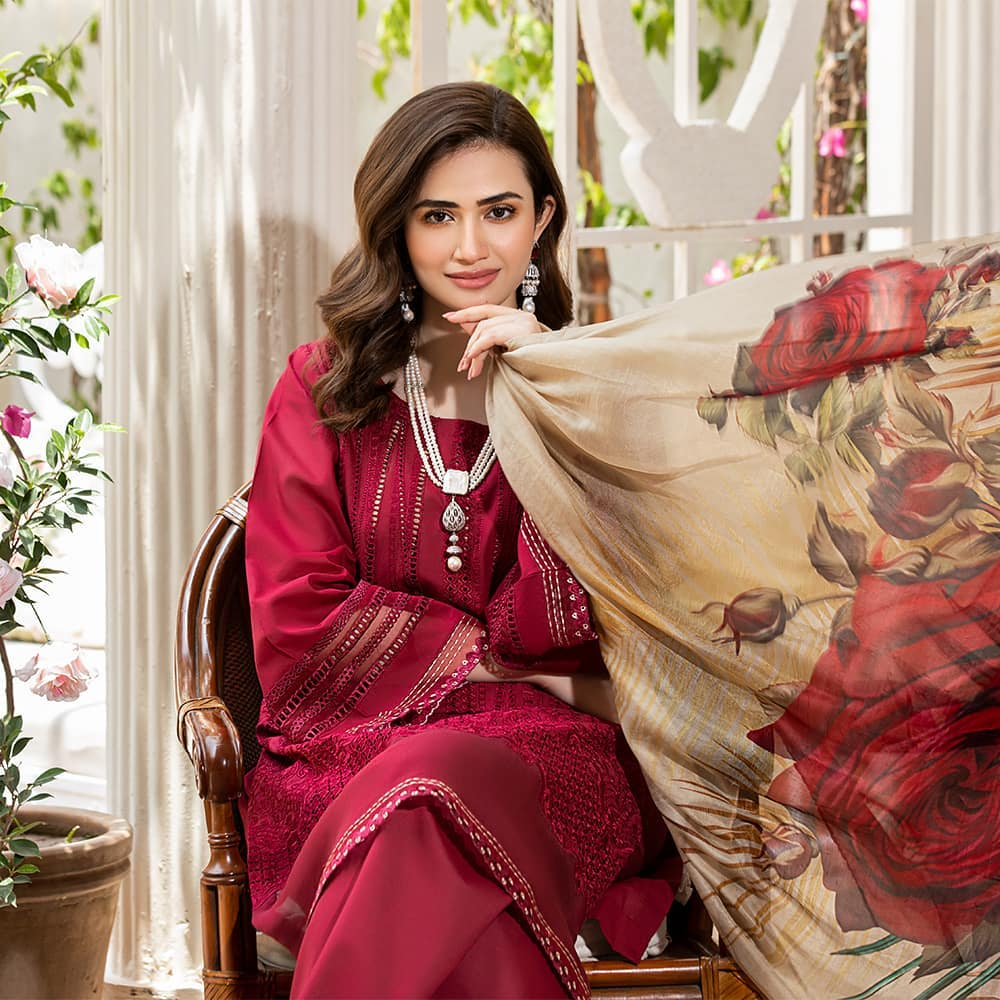 Sana Javed Looks Super Ethereal In Her Latest Shoot