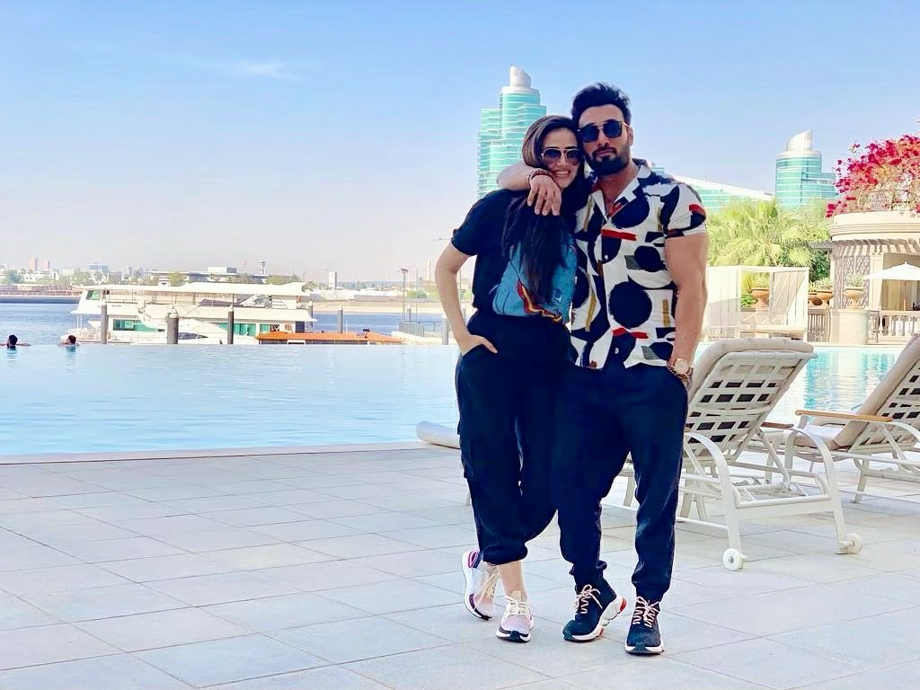 Latest Lovely Pictures of Sana Javed and Umair Jaswal
