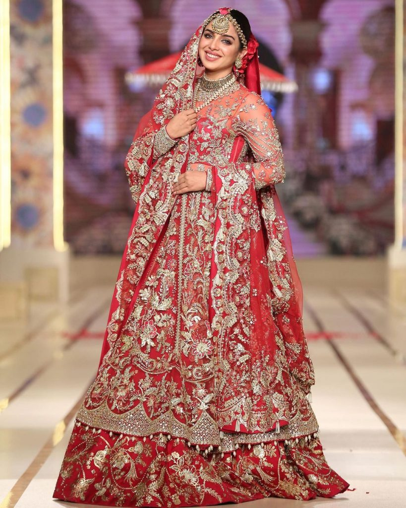 Sonya Hussain Looked Regal In Red Bridal Attire