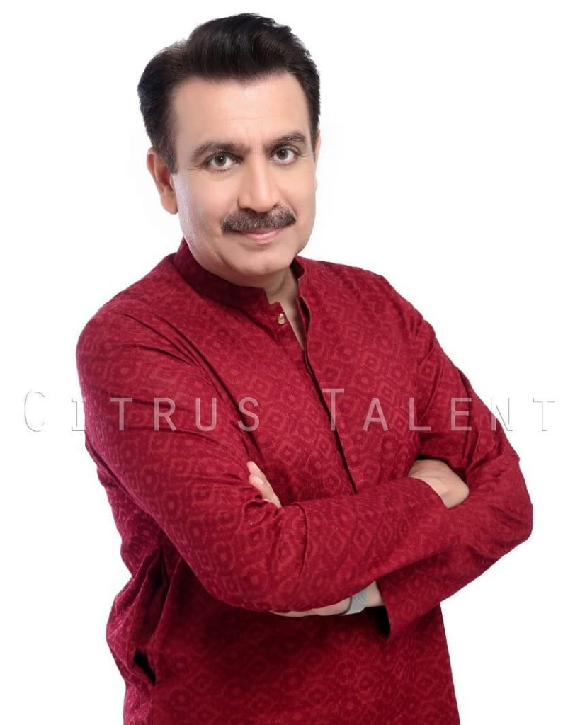Unseen Pictures Of Popular TV Anchor Tauseeq Haider