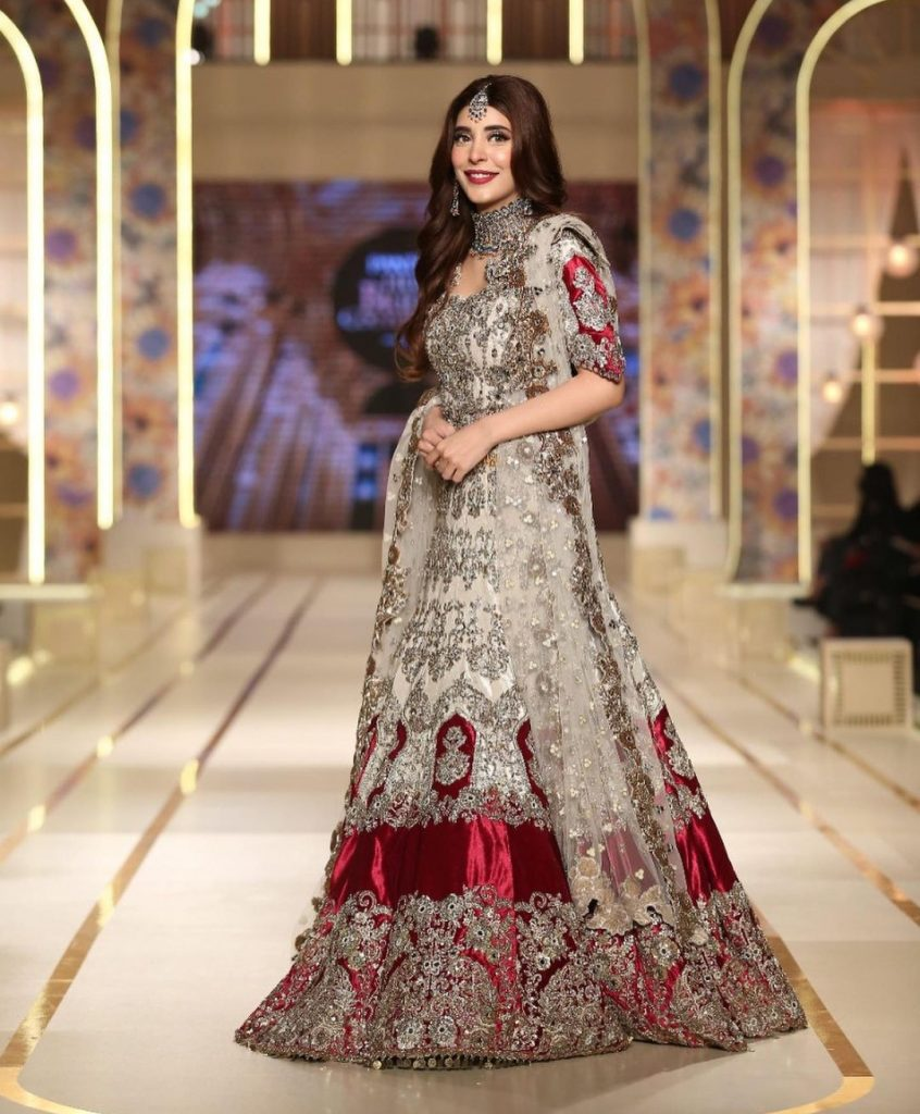 Urwa Walked the Ramp For Kashees