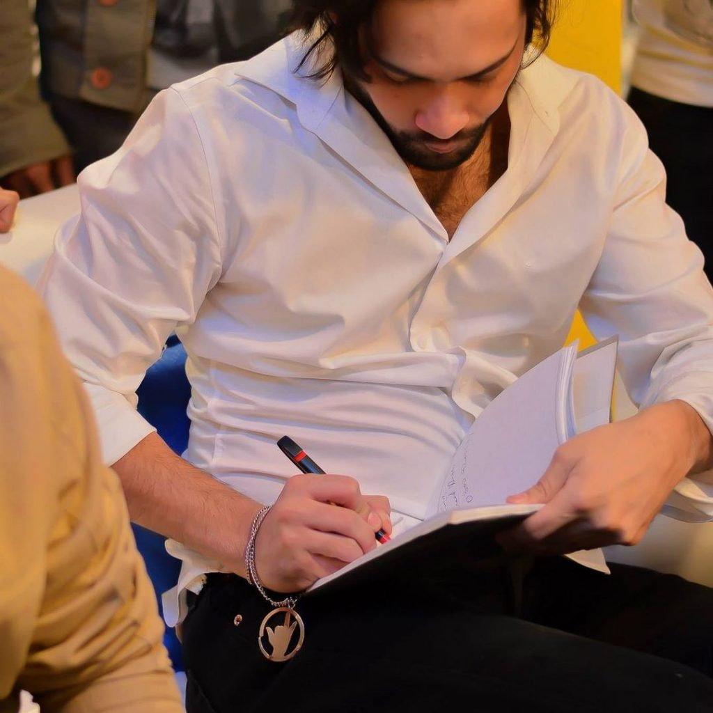Elegant Photos of Waqar Zaka For A Change