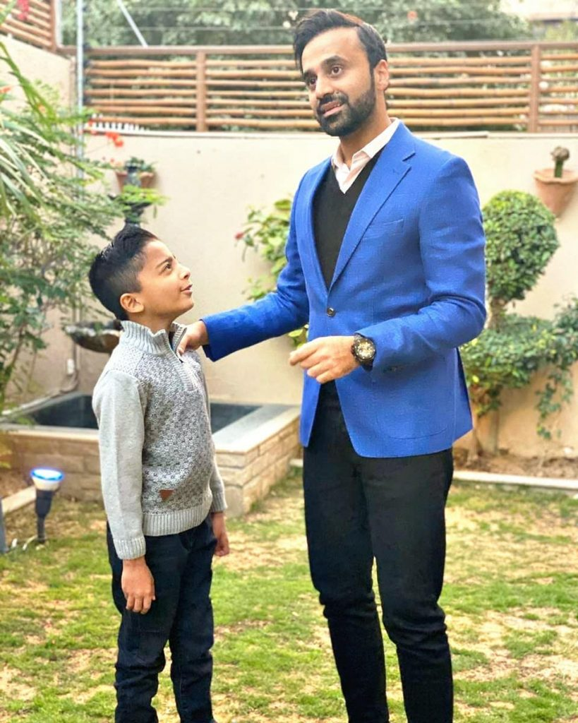 Latest Pictures of Waseem Badami With His Son - HD Quality