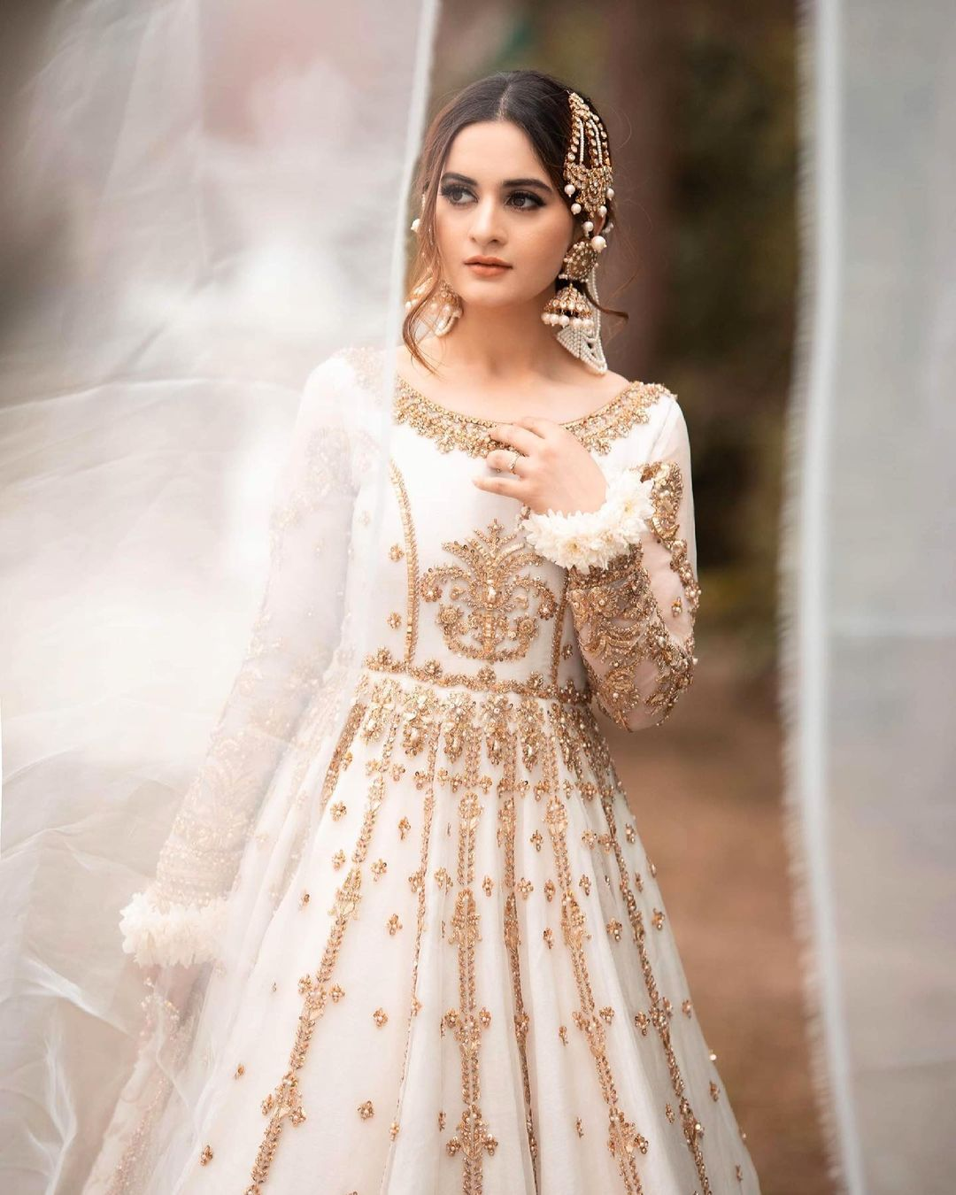 Aiman Khan is Looking Stunning in Her Latest Photoshoot