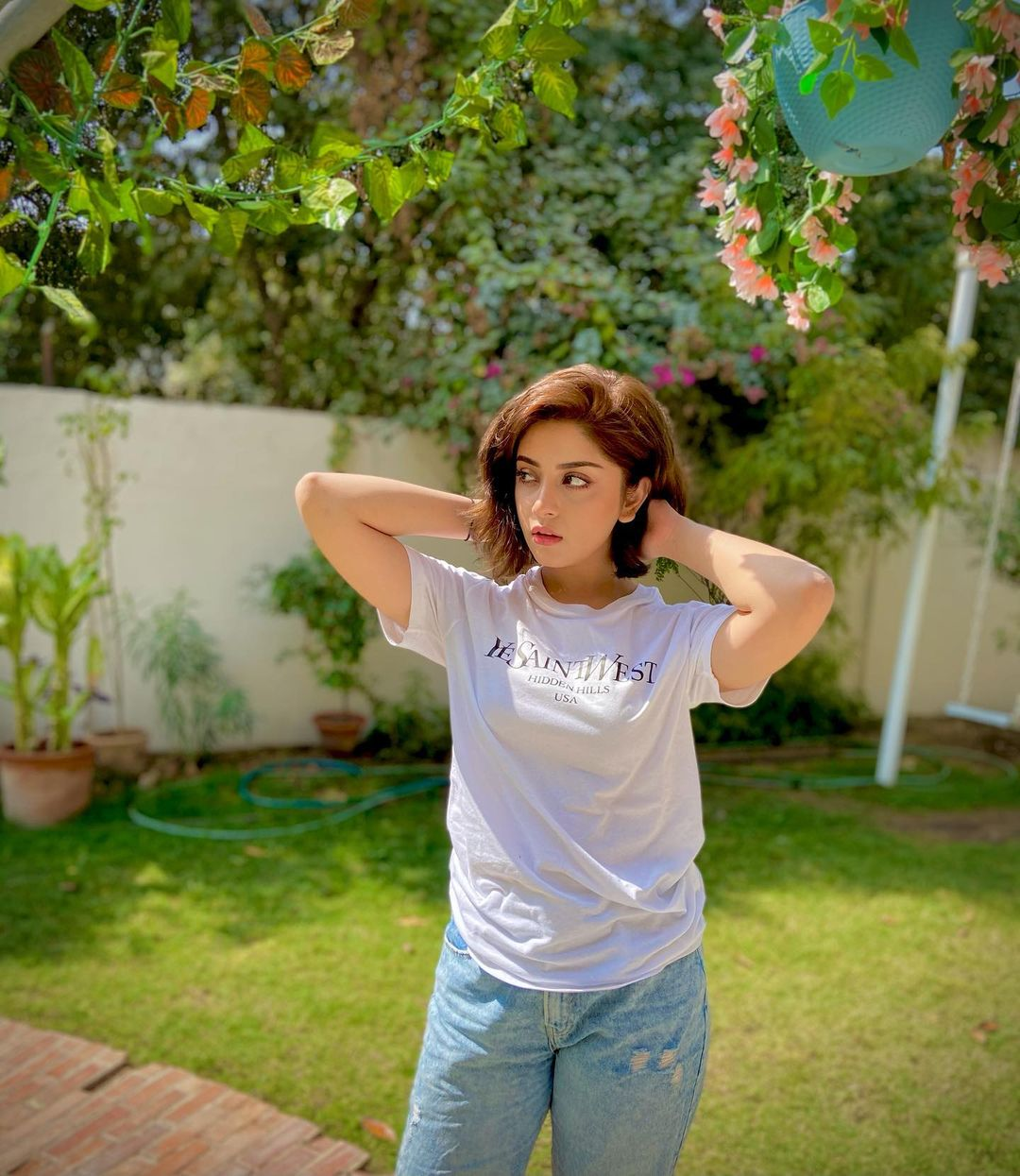 Cute Latest Clicks of Actress Alizeh Shah