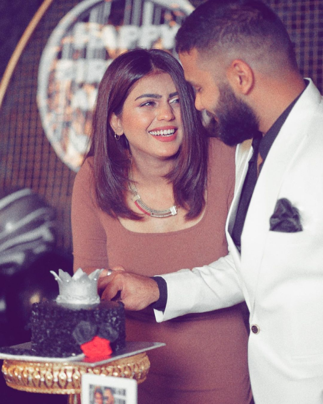 Anumta Qureshi with her Husband on Their Birthday Party