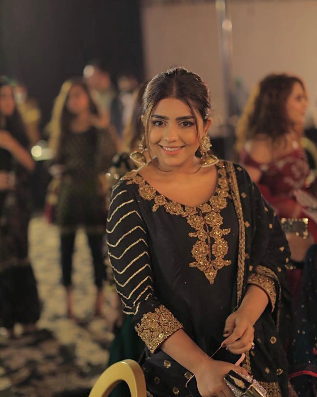 Actress Anumta Qureshi Lovely Note for her Husband on his Birthday