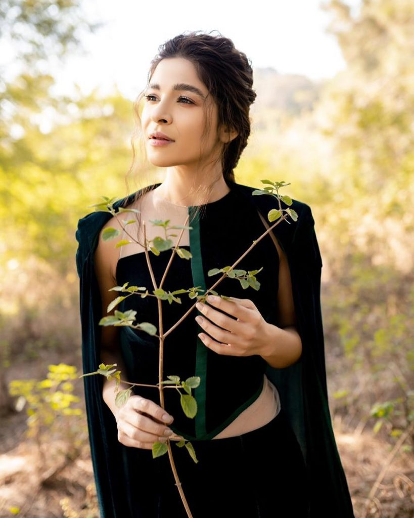 What Ayesha Omar Does For Clear Skin - Her Regime