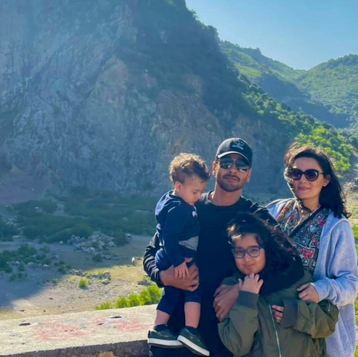 Faisal Qureshi with His Beautiful Family - New Pictures