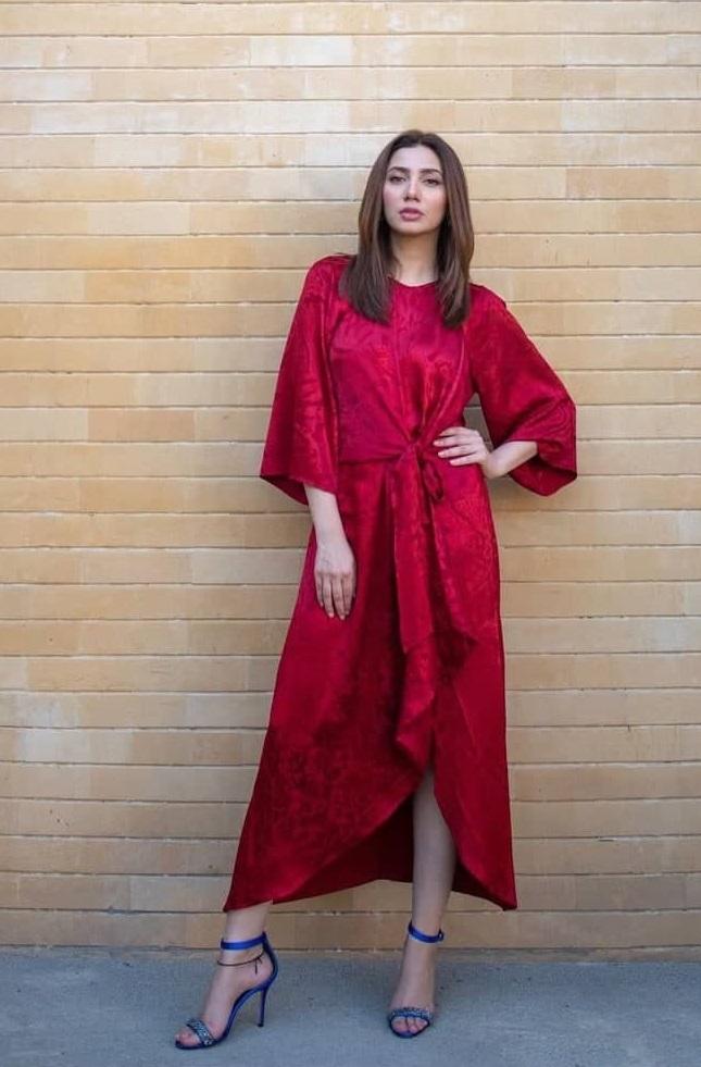 Colors That Suit Pakistani Actresses The Best