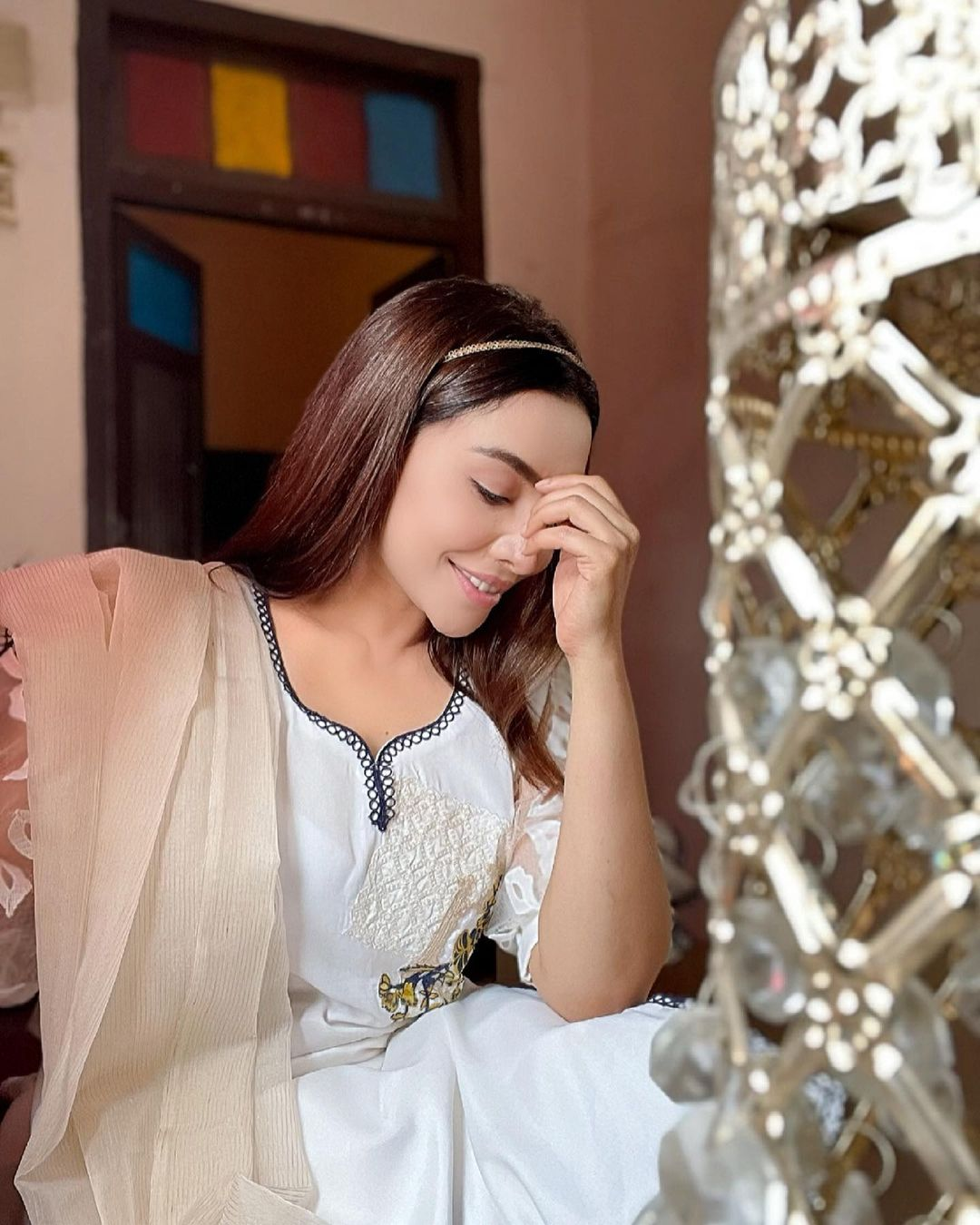 Latest Beautiful Pictures of Actress Maira Khan