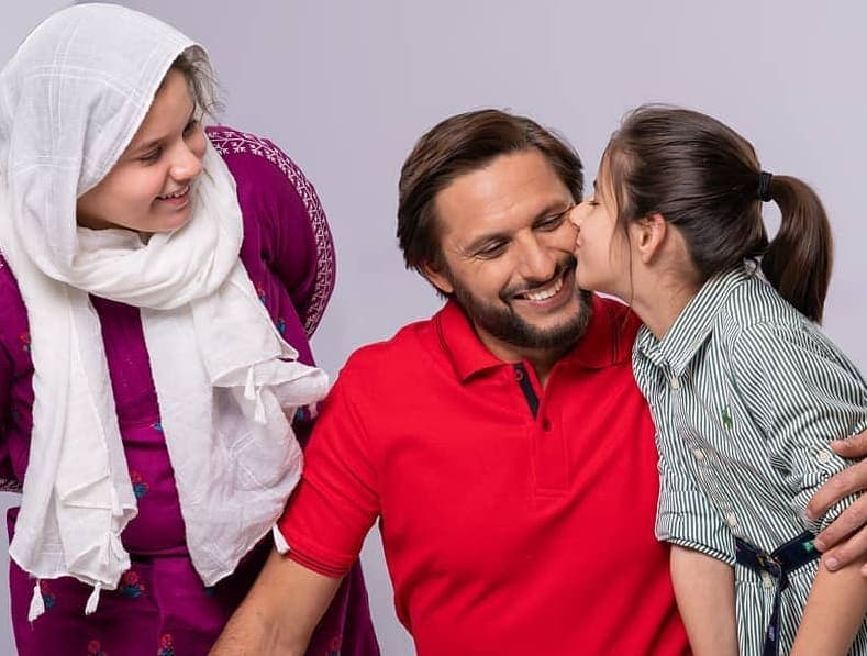 Shahid Afridi's Latest Adorable Shoot With Daughters
