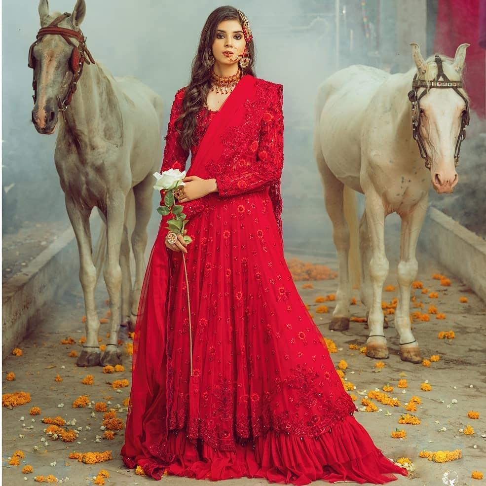 Zainab Shabbir Looks Regal In Her Unseen Bridal Shoot