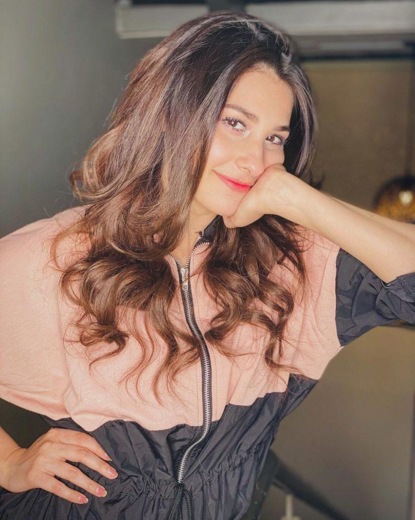 Cute Candid Photos of Hina Altaf - Latest Clicks