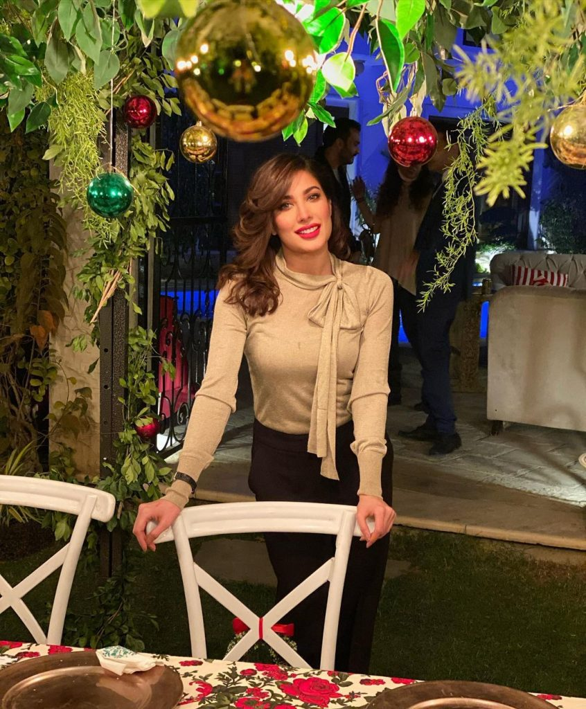 """Mehwish Hayat Cover Of """"No Time To Die"""" Is All You Need To See Today"""