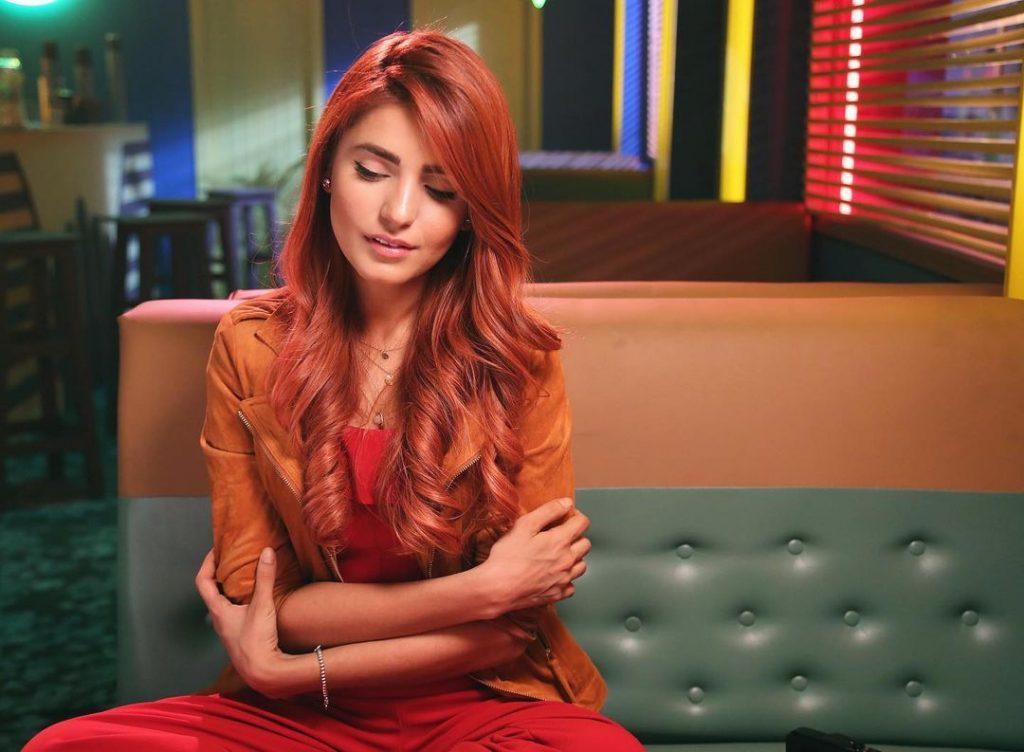 20 Latest Photos of Momina Mustehsan
