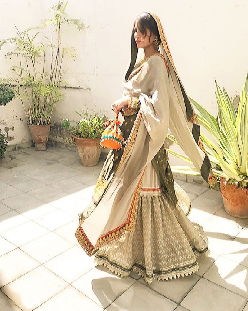 Nausheen Shah Beautiful Traditional Looks