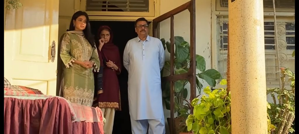 """Sanam Jung Shared BTS Moments From The Set Of """"Qarar"""" In Recent Vlog"""